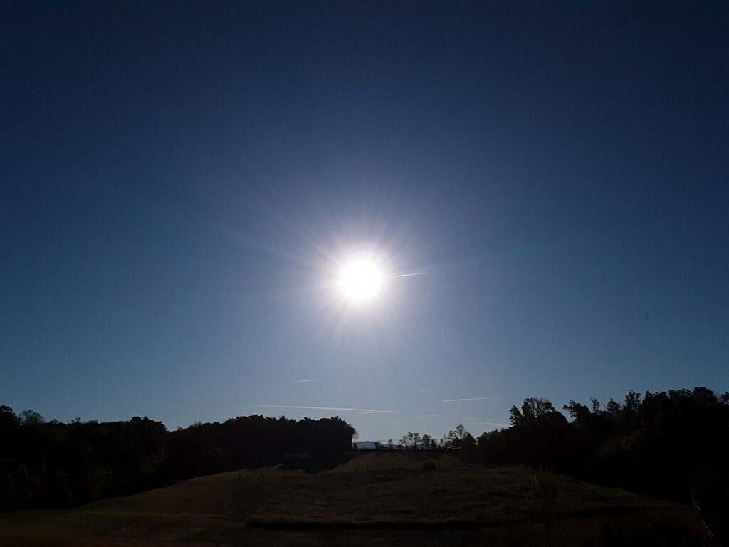 Sun in a brillant blue sky