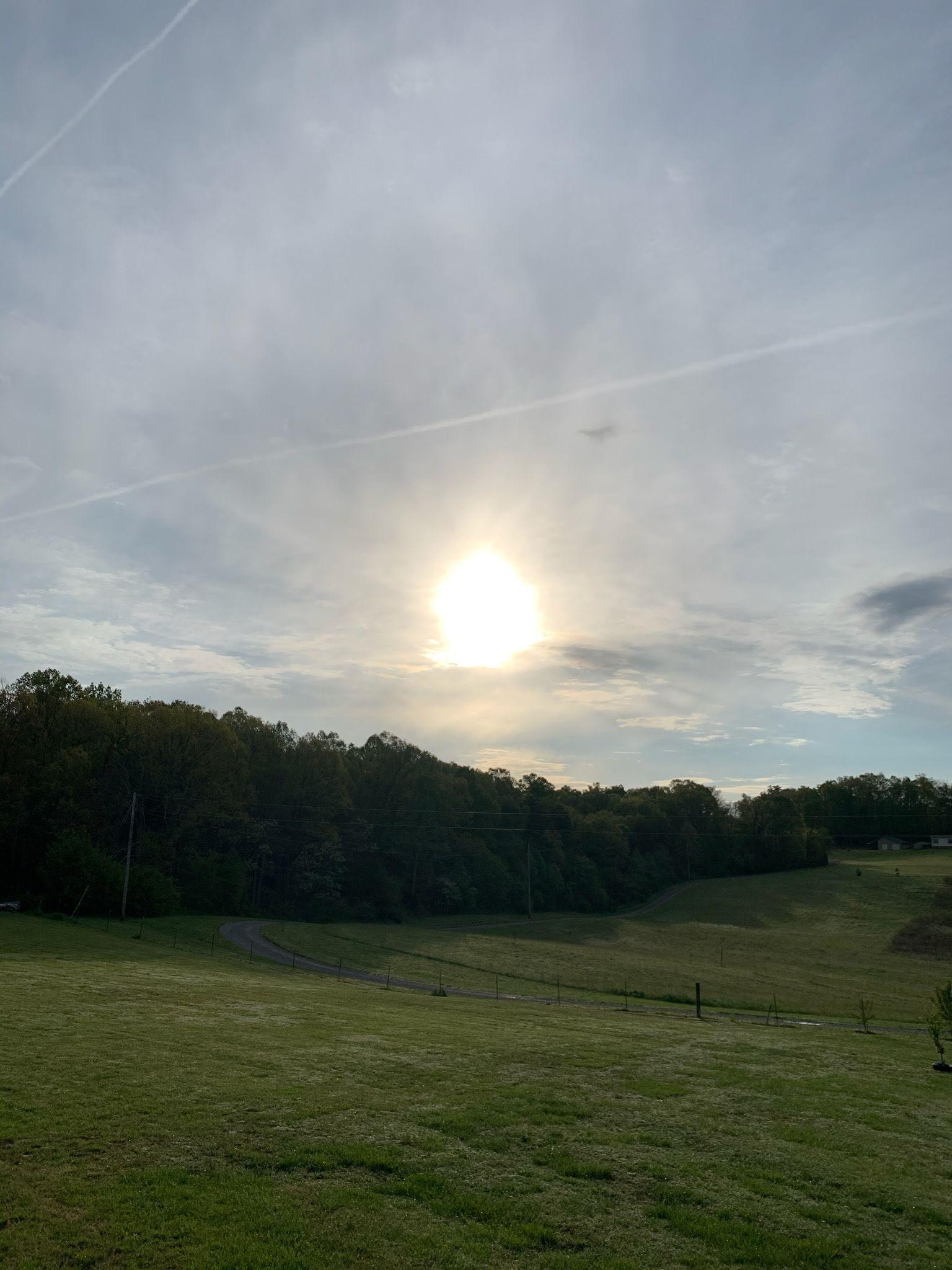 Sun risingover mountian